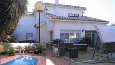 torre con jardin y piscina en Bigues i Riells (Can Carreres)