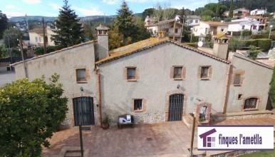 Masia preciosa con jardín y piscina en l'Ametlla del Vallès (Pinar i Portús)
