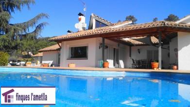 Preciosa torre con piscina , frontón y jardin en l'Ametlla del Vallès (Santacreu)