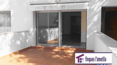 Planta Baja con 3 terrazas. Piso como nuevo en el centro de L'Ametlla del Valles en l'Ametlla del Vallès (centro)