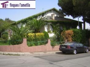 Torre con ampli terreno y piscina en l'Ametlla del Vallès (Les Roquetes)