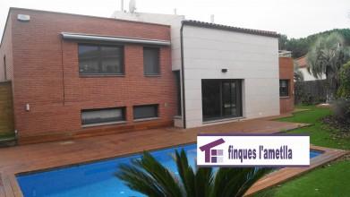 Torre como nueva con piscina en l'Ametlla del Vallès (Can Camp)